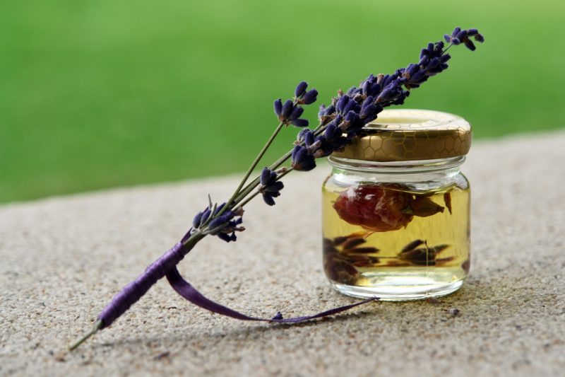 huiles essentielles massage suisse